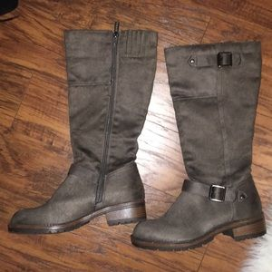 Reaction Boots